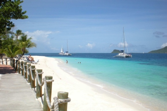 Ø-hop fra Grenada til St. Vincent og Grenadinerne